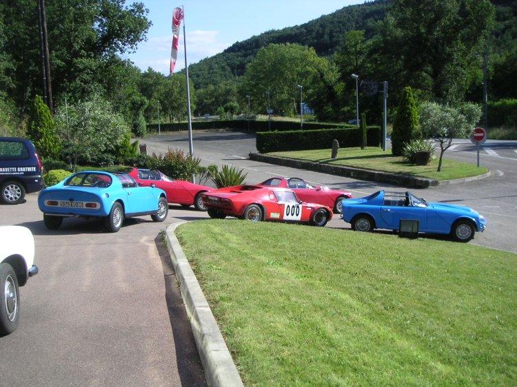 Les voitures réunies en Pays Cathare 09